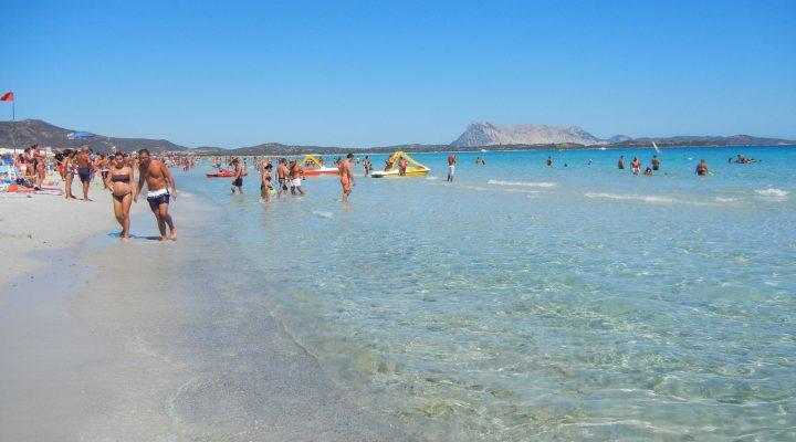 Le meravigliose spiagge intorno a san teodoro nel nord for Sardegna budoni spiagge