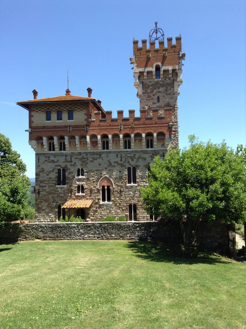 Un weekend alla scoperta della valdambra io amo i viaggi for Piccoli piani casa castello