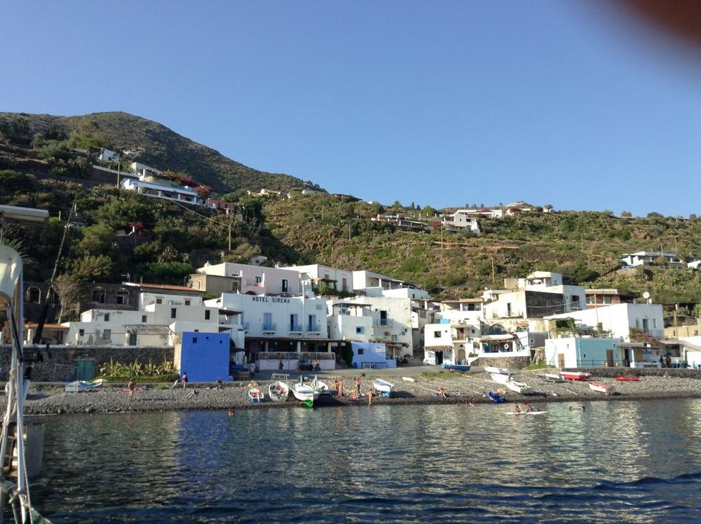 arrivo in barca a Filicudi