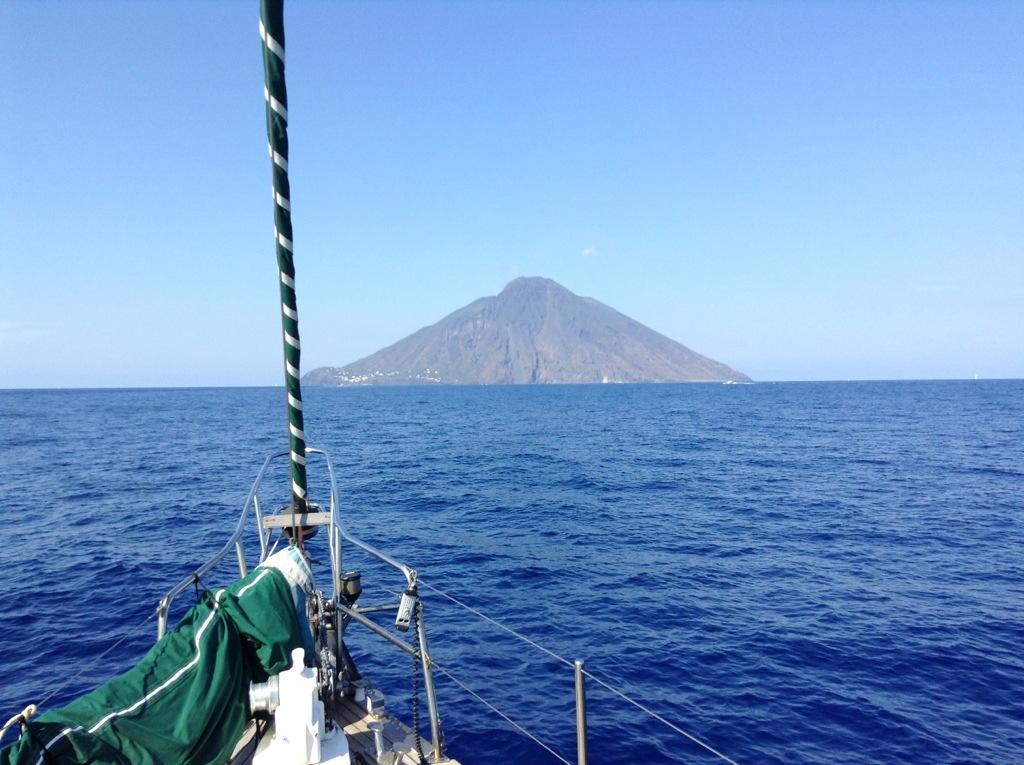 Arrivare a Stromboli in barca a vela