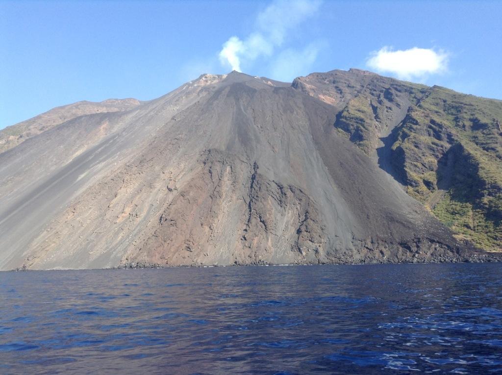 Stromboli sciara di lava