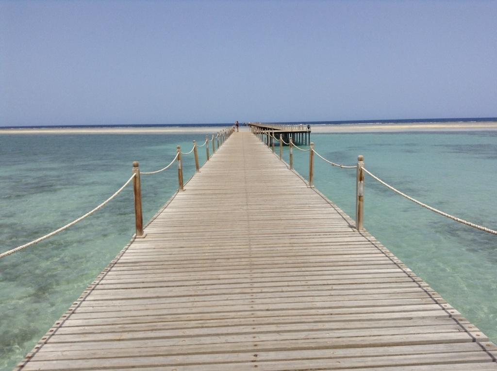 pontile per accedere barriera corallina