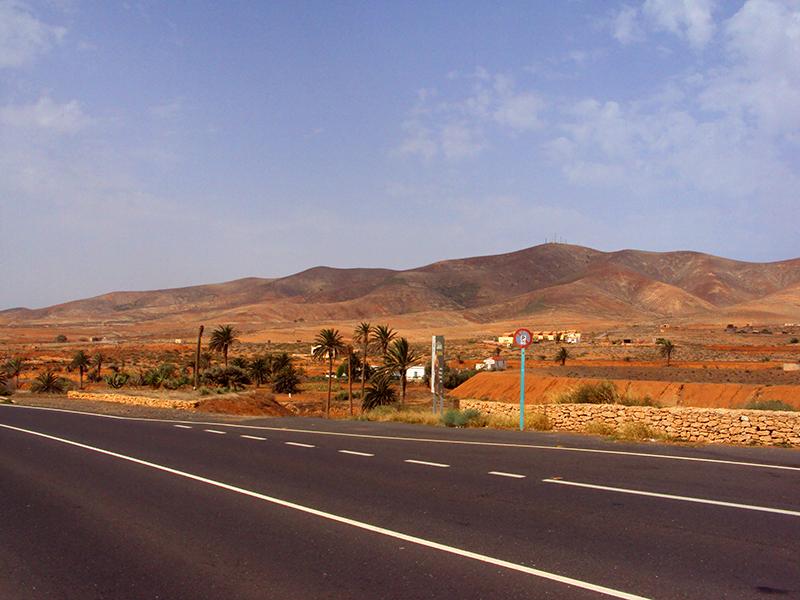 Entroterra Fuerteventura con case coloniche tradizionali