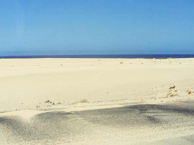 La bianca spiaggia di Corralejo