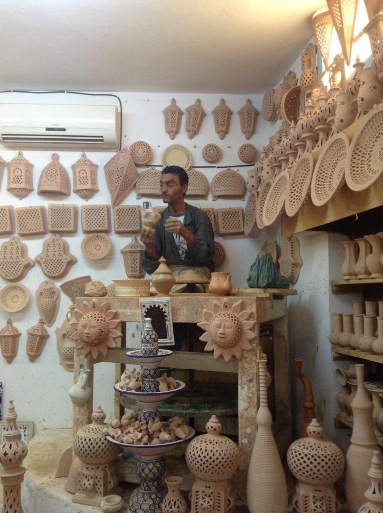 fabbrica di ceramica a guellala