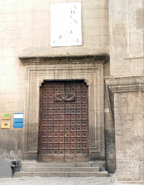 cancelli chiesa tomba di dracula