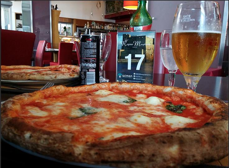 pizza a napoli