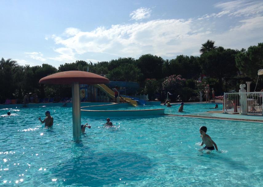 piscina de angelis resort
