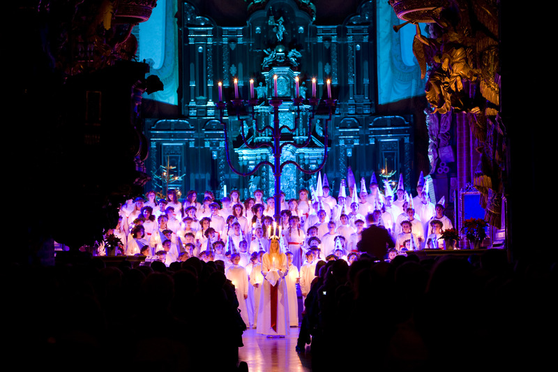 Lucia_celebration_in_church_1_Photo_Henrik_Trygg_Low-res