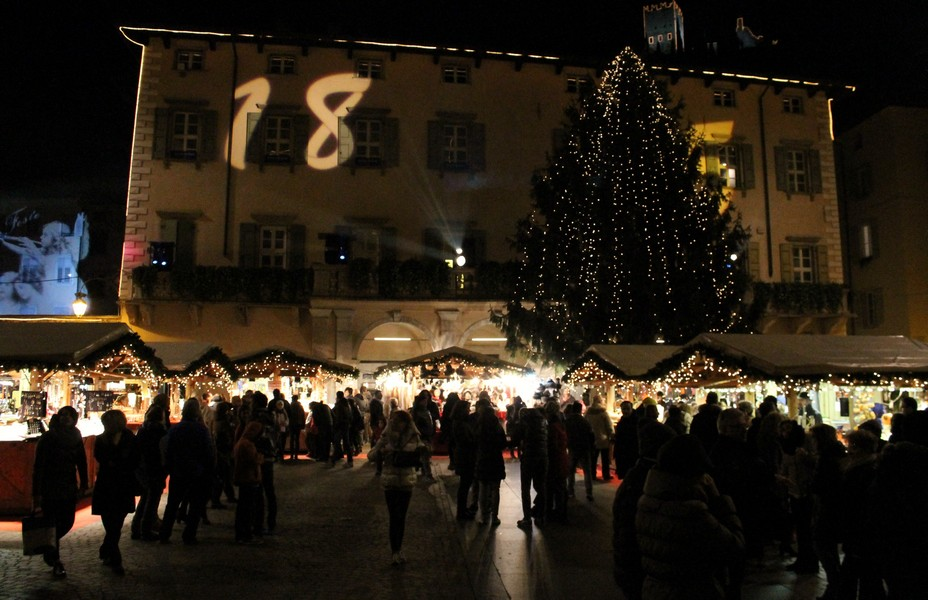 Mercatino Natale Arco-notte