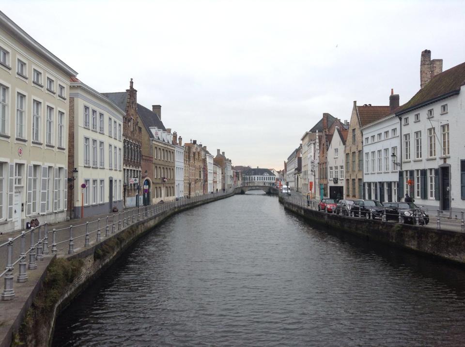 passeggiata lungo i canali di Bruges