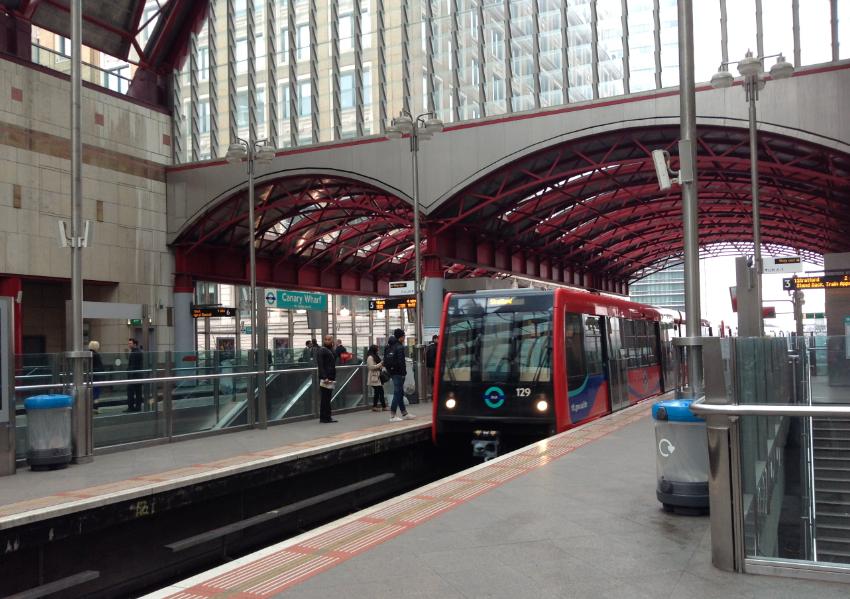 capolinea DLR a Londra a Canary wharf