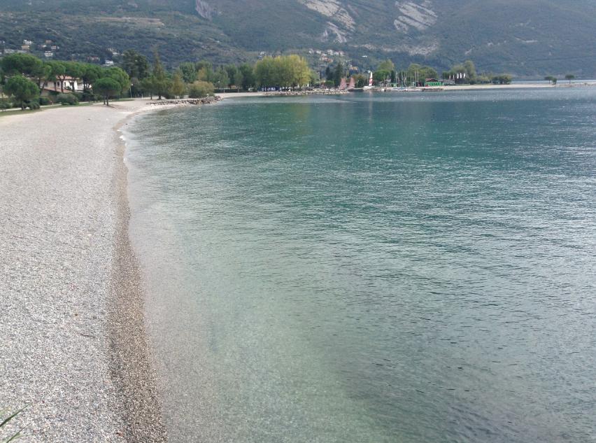 lago di garda fra riva e torbole
