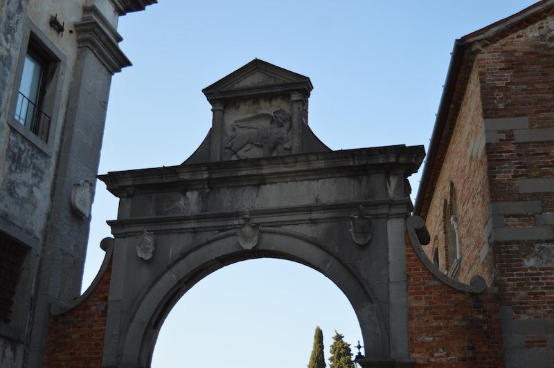 portale con leone di venezia