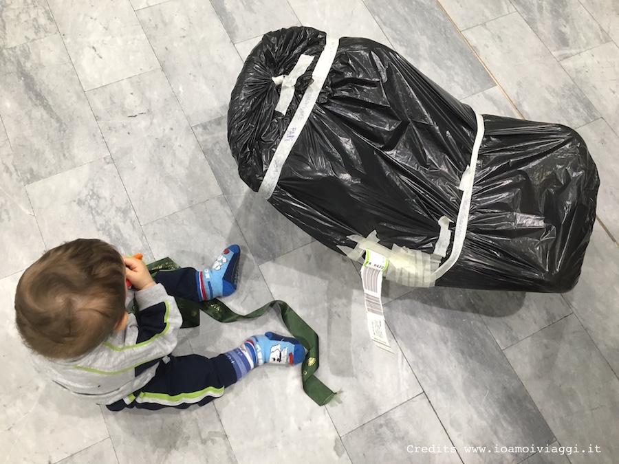 imballare un seggiolino auto per neonati