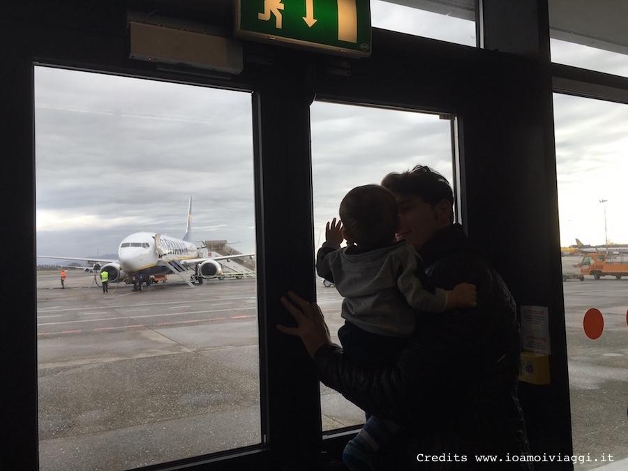 volare con un bebe