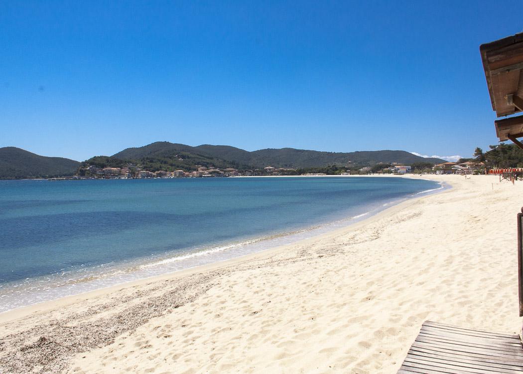 Spiaggia di Marina di Campovista dall' iselba