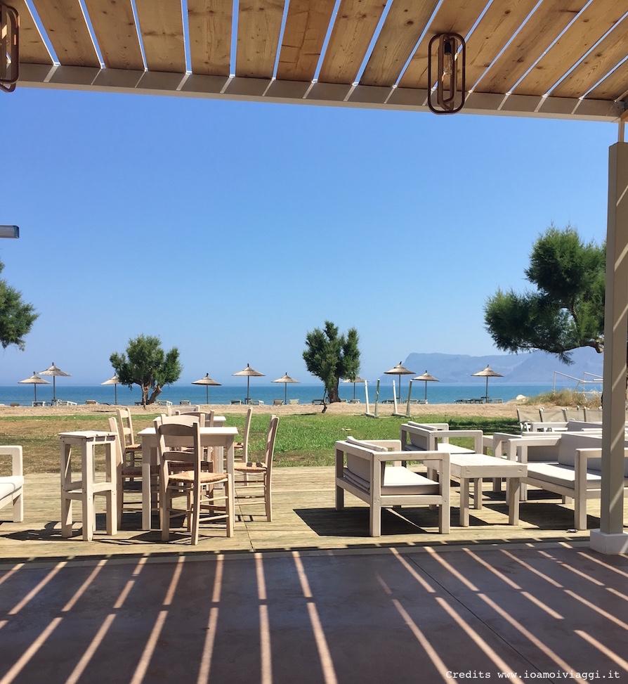 Naya beach dormire con il rumore delle onde del mare for Case in affitto grecia sul mare