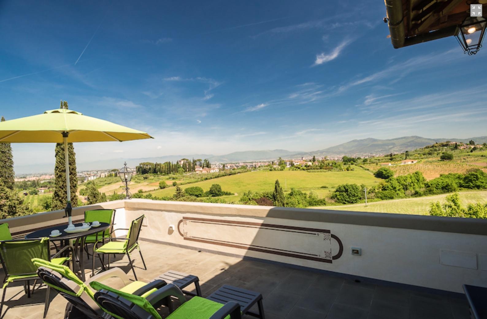 bb con terrazza panoramica vista campagna toscana