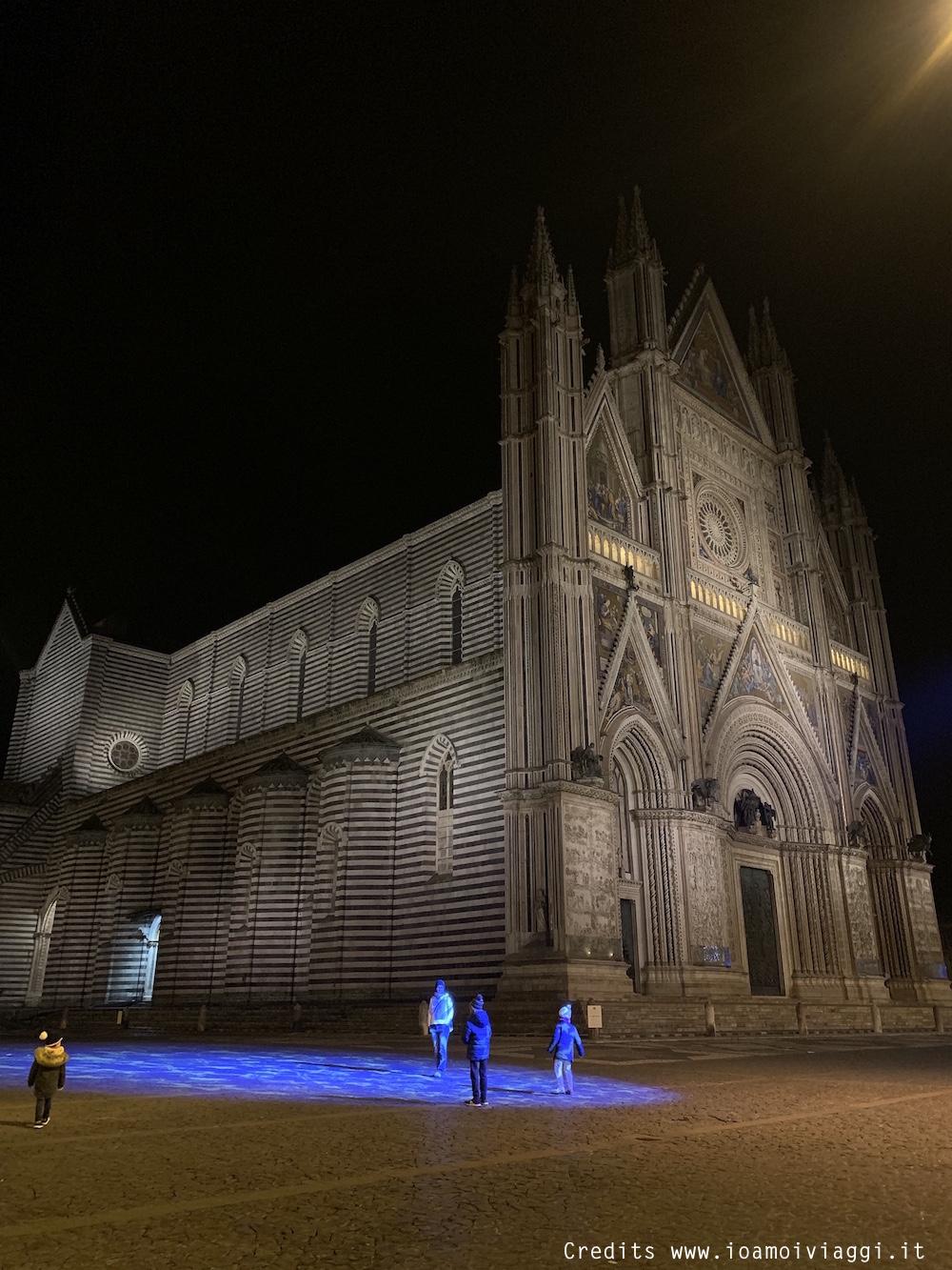 Duomo di Orvieto: foto in nottura