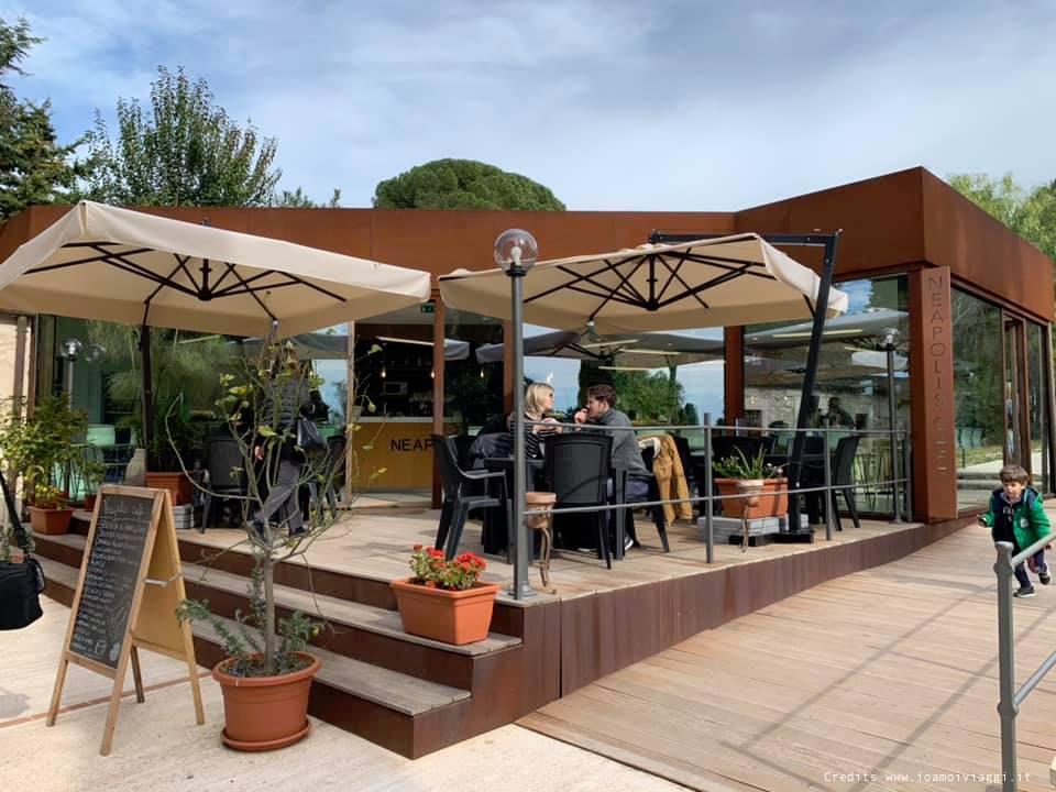 si può mangiare dentro al parco archeologico di neapolis al cafe neapolis
