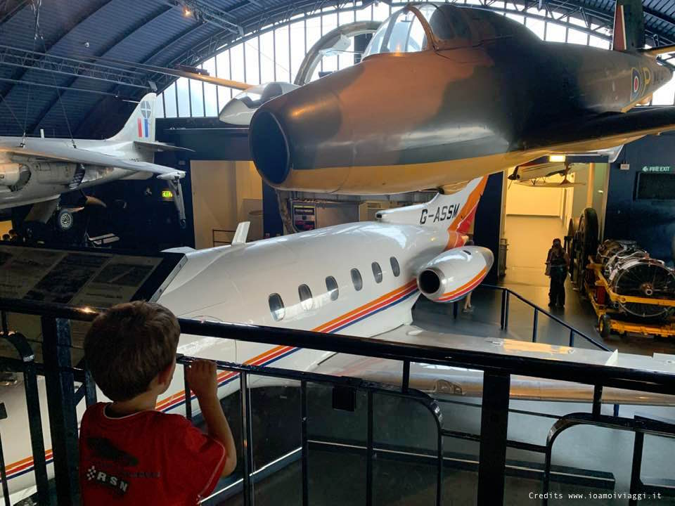 sala degli aerei museo londra
