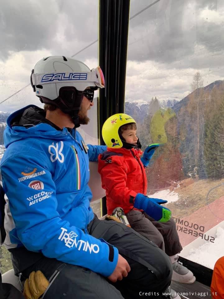 maestro di sci per bambini