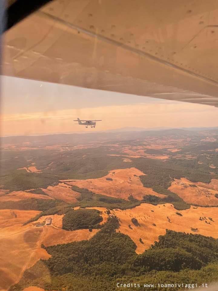 volare su un biposto in Toscana